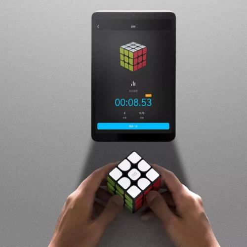 Cubo de Rubik Inteligente de Xiaomi uso con la tablet