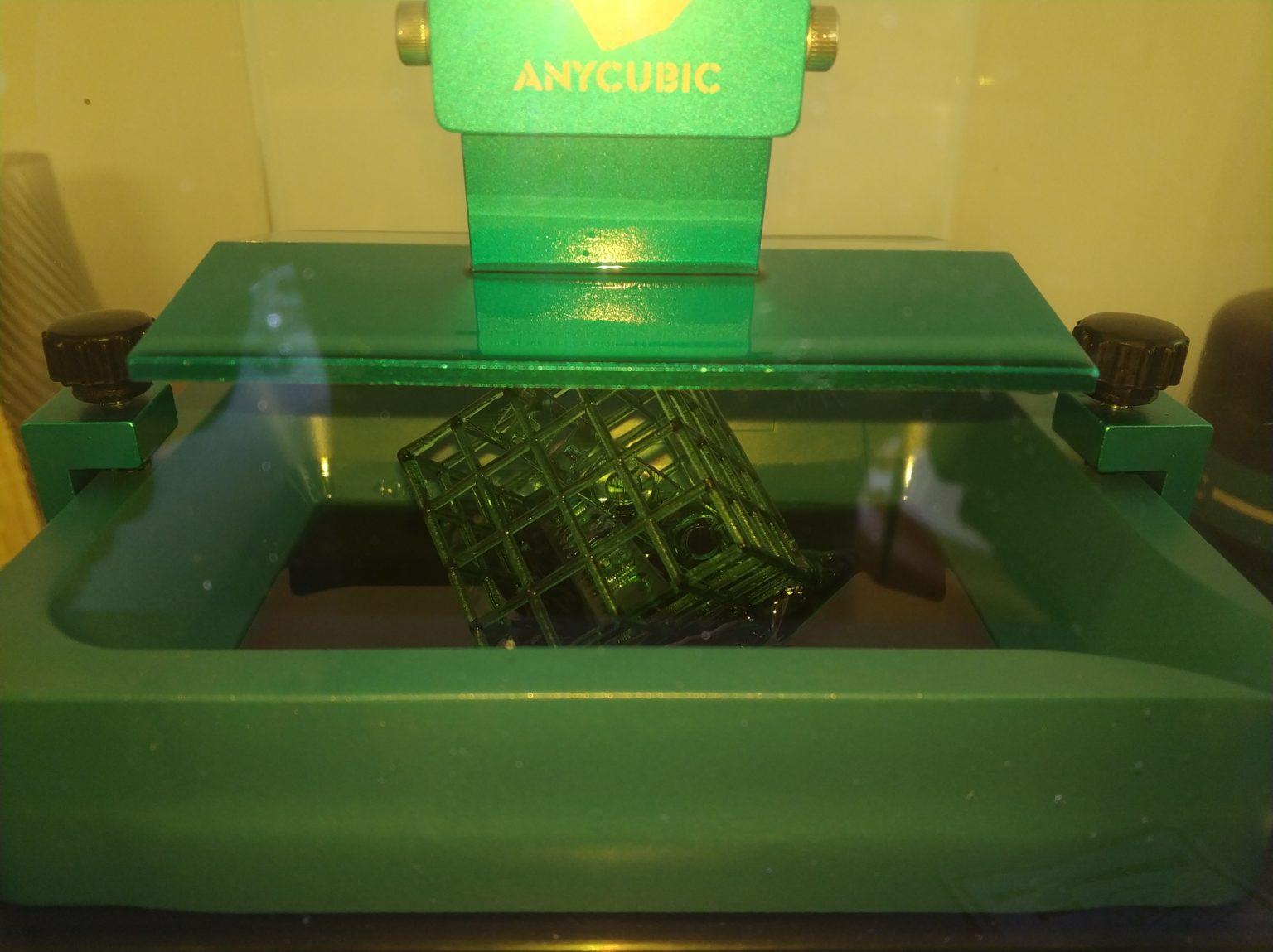 Impresión de prueba con la Anycubic Photon Zero en proceso