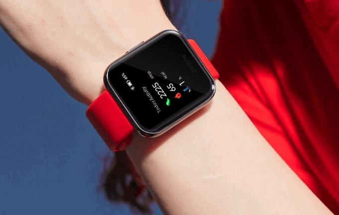 Realme Watch con una correa roja