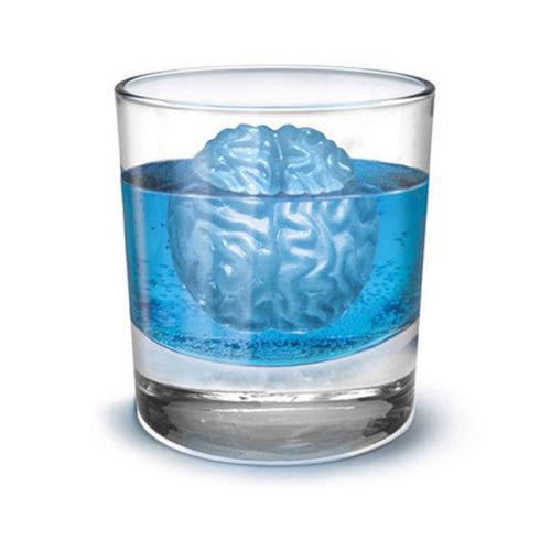 Molde para hielos con forma de cerebro en vaso