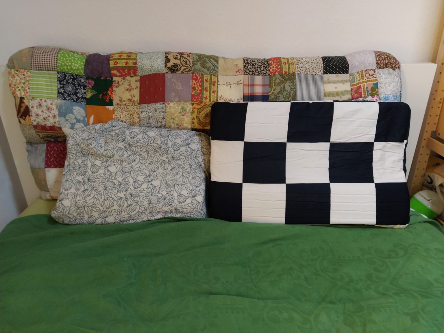 almohada viscoelastica modular de U2 junto a mi almohada vieja