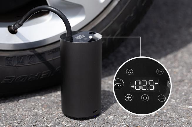 Pantalla de la bomba de aire eléctrica Roidmi Mojietu hinchando rueda del coche