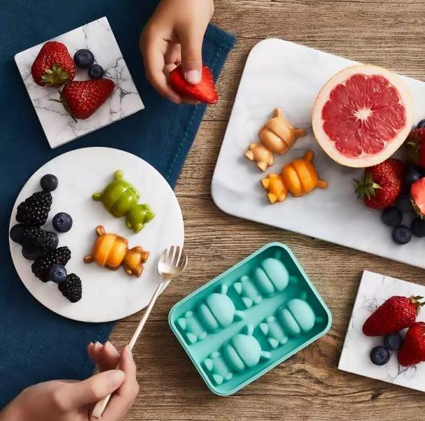 Desayuno con figuras hechas con el molde para hielo con forma de Xiaomi Mi Rabbit