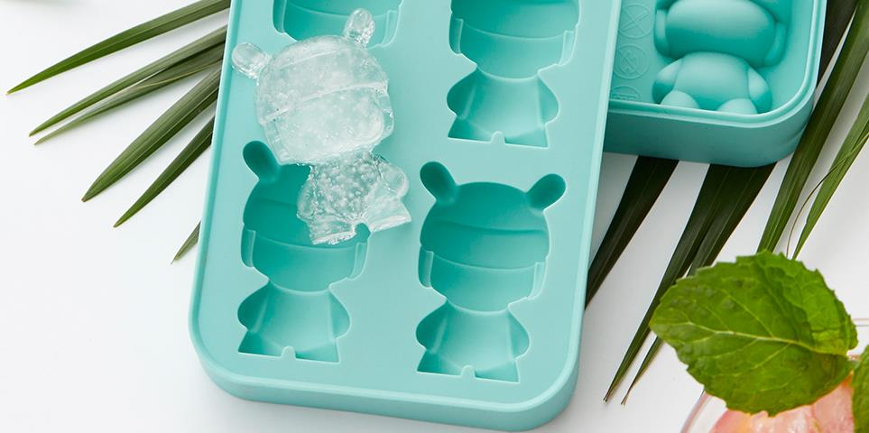 Cubitos de hielo con el molde para hielo con forma de Xiaomi Mi Rabbit