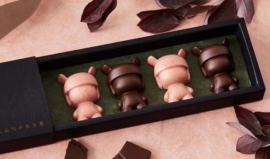 Figuras de chocolate hechas con el molde para hielo con forma de Xiaomi Mi Rabbit