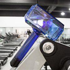 Botella con forma martillo de Thor en el gimnasio