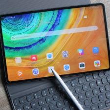 Tablet Huawei MatePad Pro con lápiz táctil y teclado