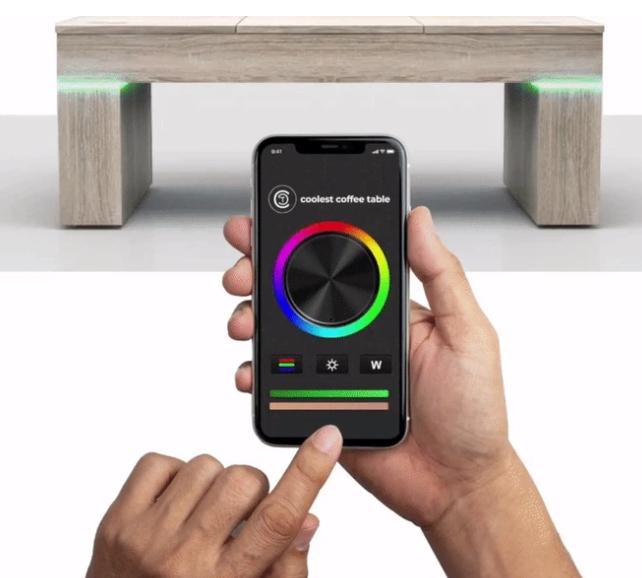 La mesa mas cool del mundo con luces LED controladas mendiante una aplicación