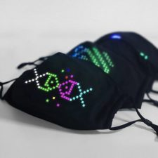 Mascarilla con LEDs integrados con distintos motivos