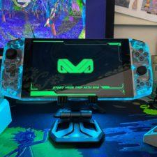 Parte frontal de la consola portátil AYA Neo Gaming