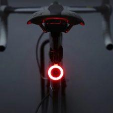 Luz trasera de bicicleta Utorch encendida