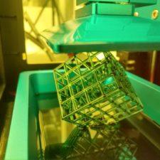 Cubo impreso con la impresora 3D SLA Anycubic Photon S
