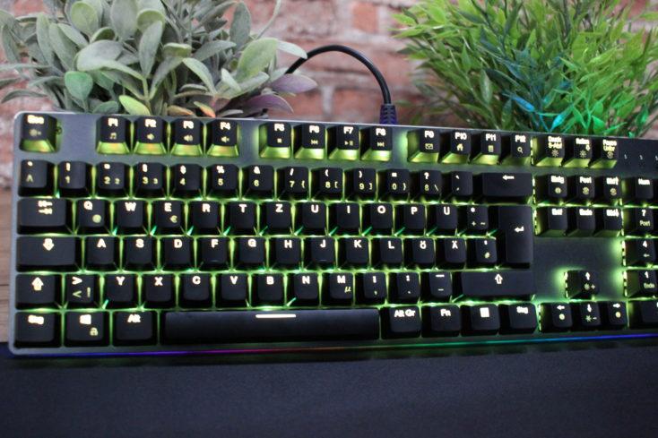 Teclado mecánico gaming AUKEY KM-12 retroiluminado en verde