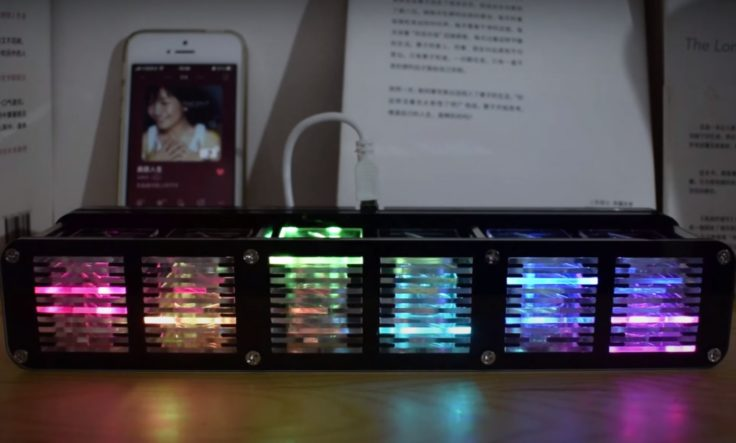 Efectos de luces del espectro musican en el reloj LED Geekcrait