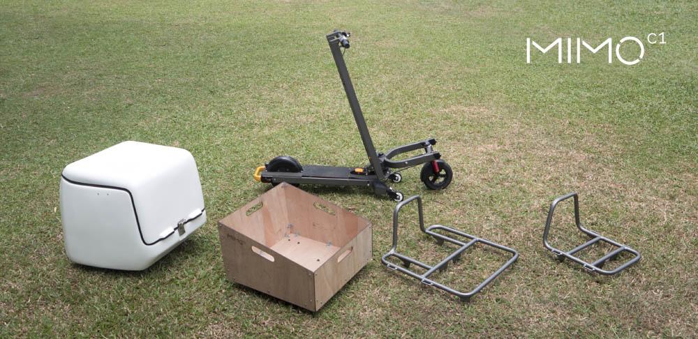 Patinete eléctrico Mimo C1 con accesorios para transporte de carga
